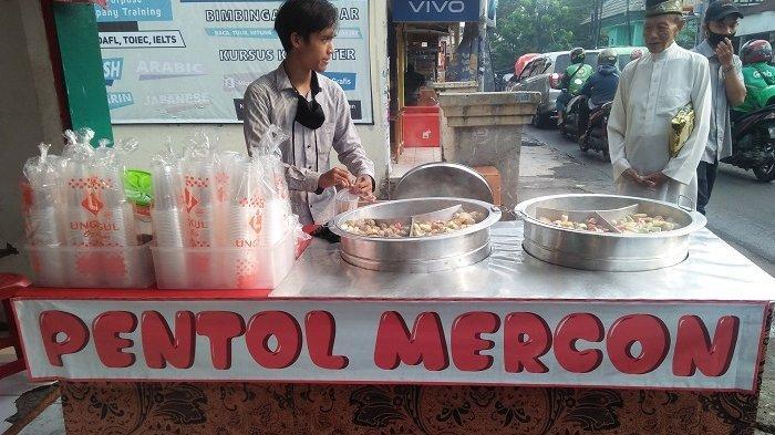 Pentol mercon seafood Ciputat serba Rp 1.000