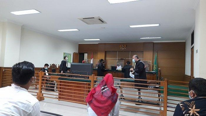 Terdakwa Pejabat Dinkes Banten Alami Infeksi Telinga, Sidang Dakwaan Korupsi Masker Ditunda