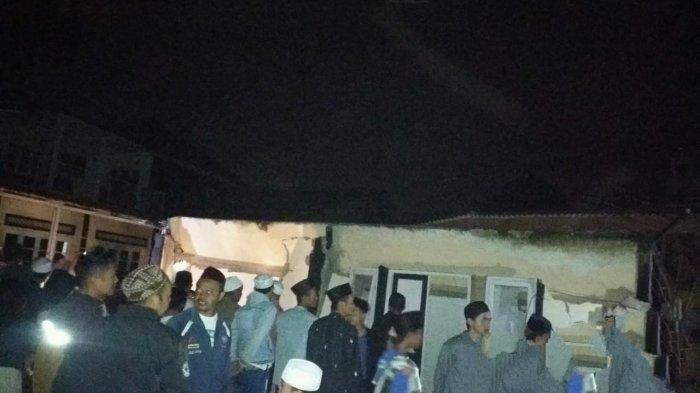 18 Santri Tertimbun Bangunan Pondok Pesantren yang Ambruk saat Salat Magrib Berhasil Dievakuasi