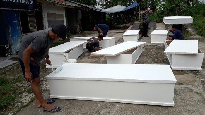 Warga Temukan Peti Mati Kosong dalam Kondisi Terbuka di Pinggir Jalan Jenderal Sudirman Kota Cilegon