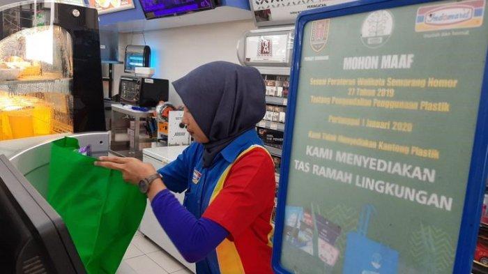 Minimarket di Lebak Sudah Tak Sediakan Kantung Plastik
