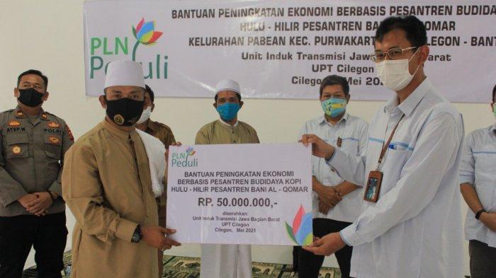 Pondok Pesantren Banu Al Qomar Kota Cilegon Terima Bantuan Rp 50 Juta dari PLN Peduli