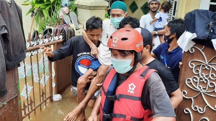 PMI Banten Kerahkan Ratusan Relawan, Distribusi Logistik, dan Evakuasi Korban Banjir