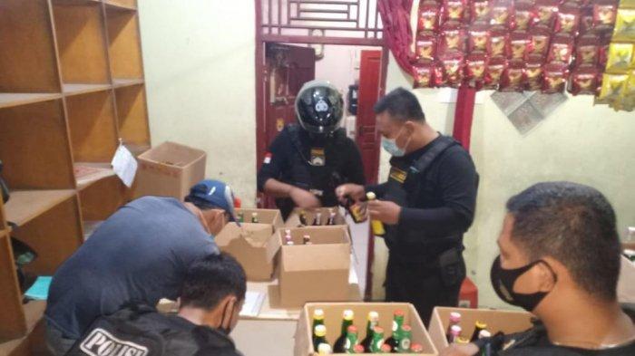 Polres Cilegon Gelar Patroli Dialogis Tim Jawara, Menyita Ratusan Botol Berisi Minuman Beralkohol