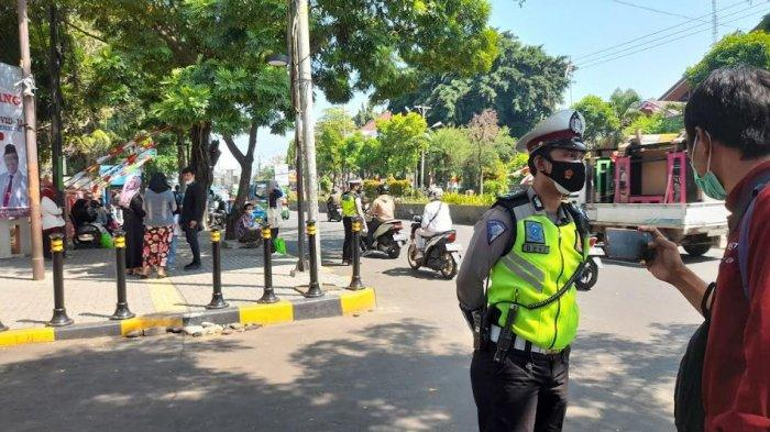 Copet HP Wanita di dalam Angkot, 3 Pelaku Ditangkap Polisi di Depan Kampus UIN SMH Banten