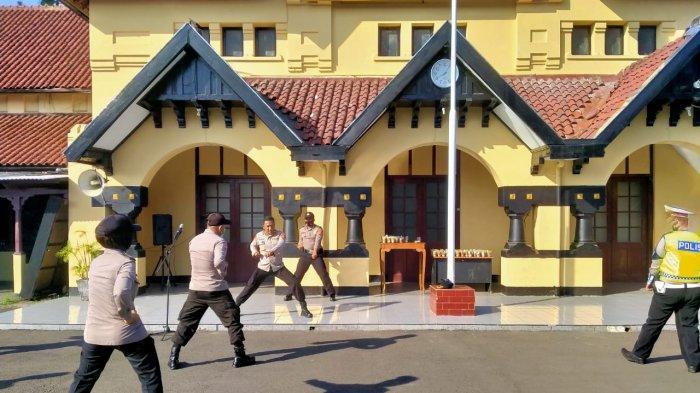 Personel Polres Serang Kota Latihan Bela Diri, Agar Selalu Siap dan Mampu saat Bertugas