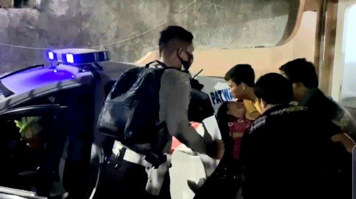 Tengah Malam, Wanita Minta Tolong, Dibawa ke Mobil Polisi