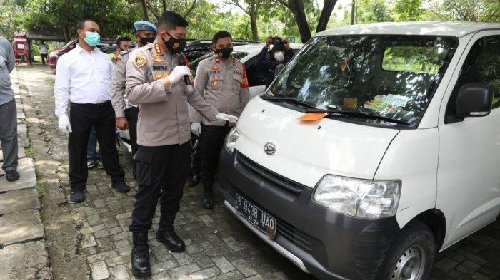 Niat Membantu, Sopir Pikap Malah Dipukul Batu Lalu Mobilnya Digadai
