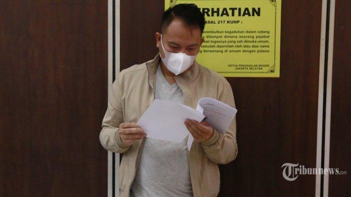 Didampingi Kalina Oktarani, Vicky Prasetyo Datangi Pengadilan Negeri Jakarta Selatan: Harus Siap