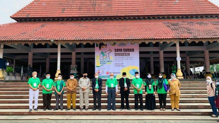 Gencarkan Program Kita Jaga Kyai, BAZNAS Gelar Vaksinasi untuk Kiai dan Santri di Banten
