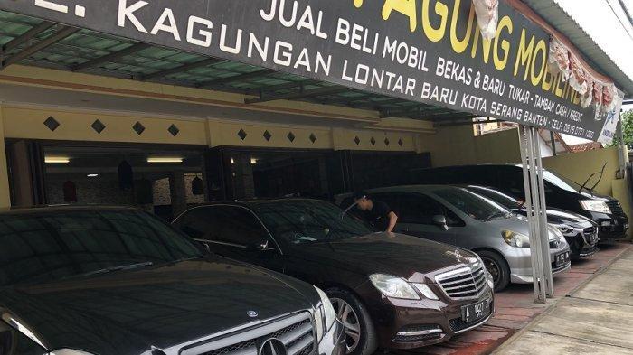 Penjualan mobil bekas di PT Agung Mobilindo turun drastis pada masa pandemi Covid-19.