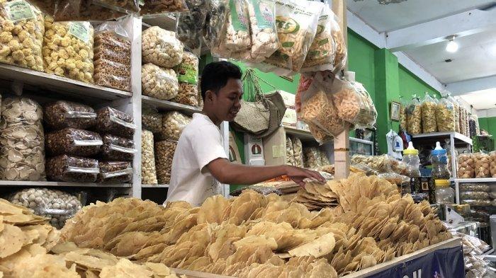 Penjual Oleh-oleh Khas Banten Pasrah dengan Kebijakan Larangan Mudik, Emping Masih Jadi Paling Laris