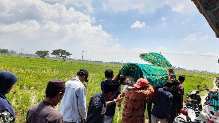 Warga Serang Tewas Tersambar Petir di Tengah Sawah Saat Cuaca Cerah, Korban Tinggalkan Anak Istri
