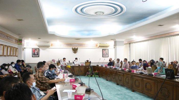 Rapat Koordinasi Penilaian Mandiri Pelaksanaan Reformasi Birokrasi atau PMPRB di aula KH Syam'un, Jumat (4/6/2021).