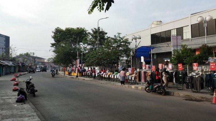 Ramayana Ciplaz Cilegon Gelar Lapak di Pinggir Jalan Tiap Weekend, Cuci Gudang Diskon Sampai 70 %