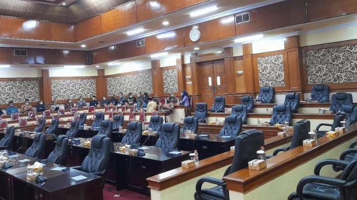 Rapat Anggota DPRD Serang Bahas RPJMD Molor Sejam dari Jadwal