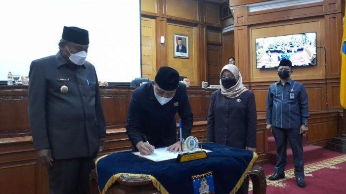 Rapat Paripurna DPRD Kabupaten Serang Tetapkan 16 Raperda, Mayoritas Inisiatif dari Bupati