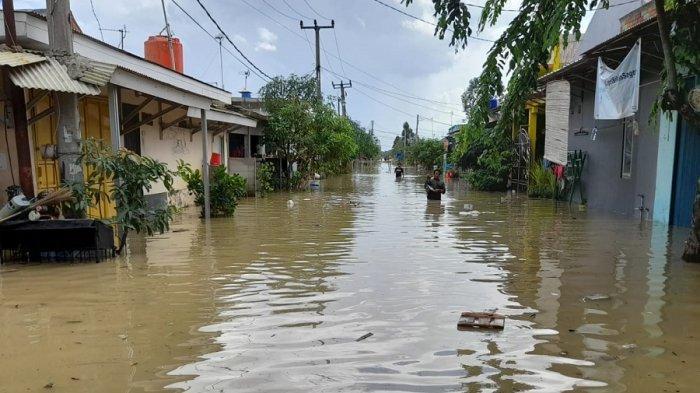 Rumah Masih Terendam Jelang Pencoblosan, Warga: Boro-boro Mikirin Nyoblos