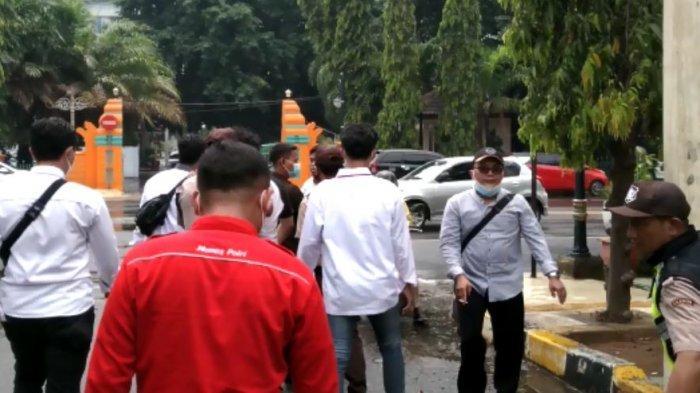 Rapat Perubahan APBD 2021 Didemo Mahasiswa, Ketua DPRD Cilegon: Saya Senang Dikritik