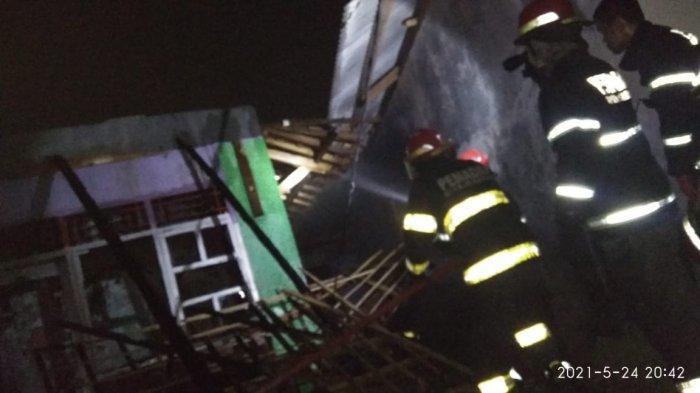 Diduga Akibat Korsleting Listrik, Rumah Warga Cilegon Ludes Terbakar, Penghuni Selamat