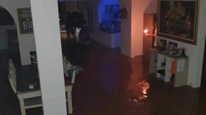 Situasi rumah Rahayu Saraswati Djojohadikusumo terendam air, Jumat (19/2/2021) malam.