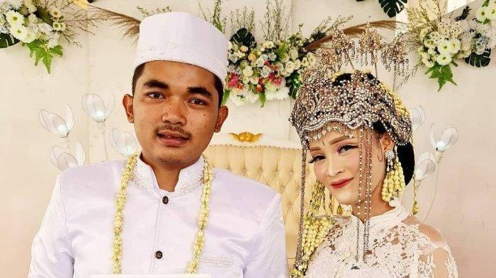 Pengantin asal Bekasi melangsungkan pernikahan dengan mahar ikan cupang, Minggu (13/12/2020).