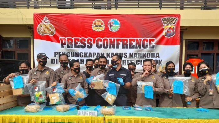 Dua Penyelundup Sabu 13 Kg Bermodus Peti Alpukat di Cilegon Dituntut 20 Tahun Penjara