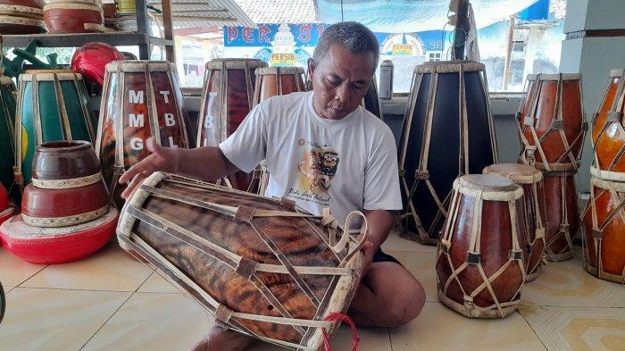 Alat Musik Tradisional Menumpuk di Rumah Perajin Kendang di Taktakan, 5 Bulan tak Terjual