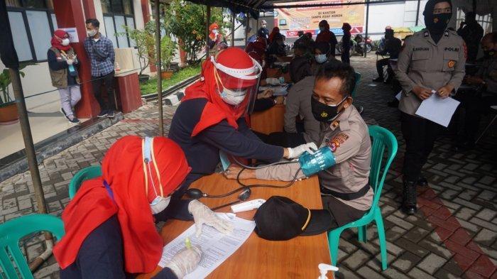 396 Personil Polri Divaksin di Pandeglang