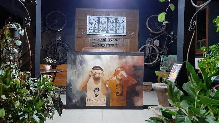 Sejumlah karya lukisan di Sanggar Embun, Kota Serang, Banten Senin (10/5/2021).