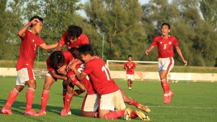 Selebrasi para pemain Timnas U-19 Indonesia setelah mencetak gol penyeimbang atas Arab Saudi. Garuda Muda paksa imbang 3-3, Jumat (11/9/2020) malam.