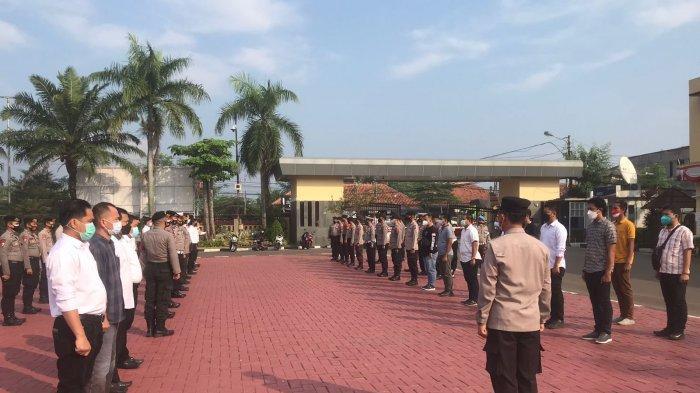 Melihat Serah Terima Pergantian Piket di SPKT Mapolda Banten, Kabid Humas: Kami Siap Melayani