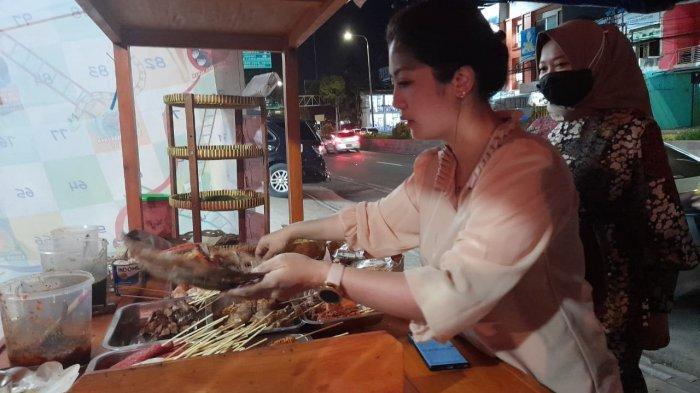 Shilvi Elviana, Pegawai Bank yang Membuka Usaha Angkringan Mas No di Jalan Ahmad Yani Serang