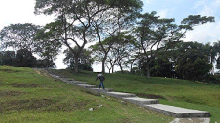 Situs Patapan peninggalan zaman Megalitikum di Jalan Tambak Pamarayan, Kampung Patapan, Desa Nagara, Kecamatan Kibin, Kabupaten Serang, Sabtu (13/3/2021).