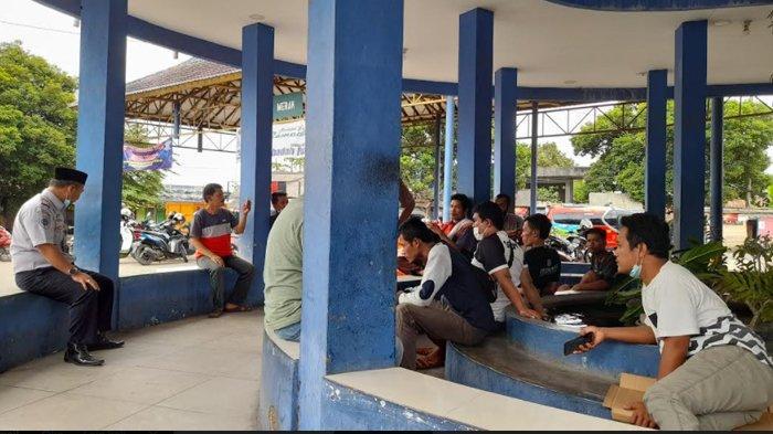Tak Ada Penumpang di Terminal Pakupatan, Sopir Bus AKDP Diminta Pulang Kampung Saja