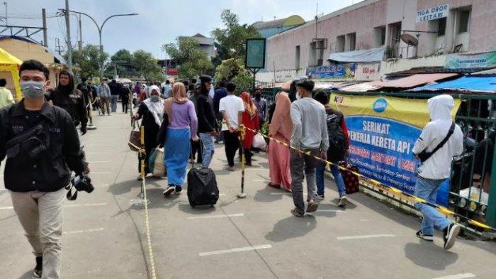 Stasiun Rangkasbitung Tetap Beroperasi di Masa Larangan Mudik, Prokes Bakal Diperketat