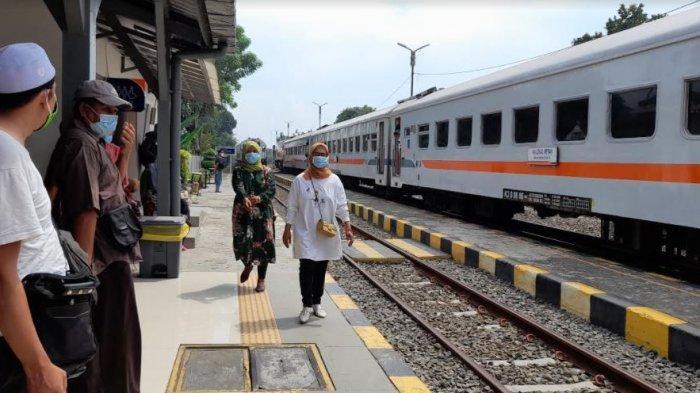 Belum Terjadi Peningkatan Penumpang di Stasiun Serang Jelang Pelarangan Mudik