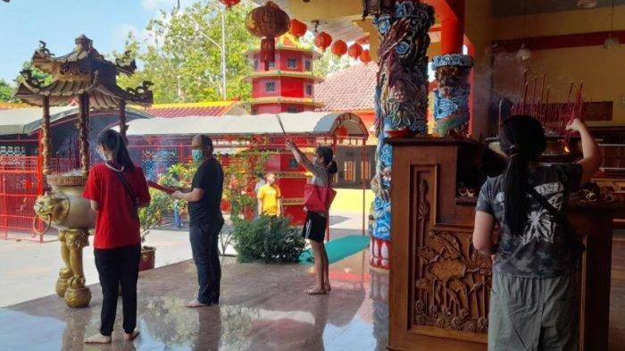 Tak Ada Perayaan Khusus Saat Hari Raya Waisak, Umat Budha Jalani Ibadah di Vihara Avalokitesvara