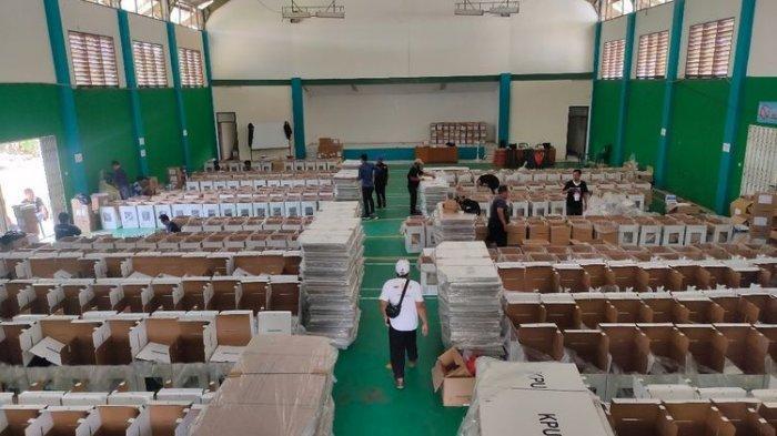 Pilkada Tangsel besok 9 Desember, Logistik Hingga APD Mulai Dikirim ke 2.963 TPS
