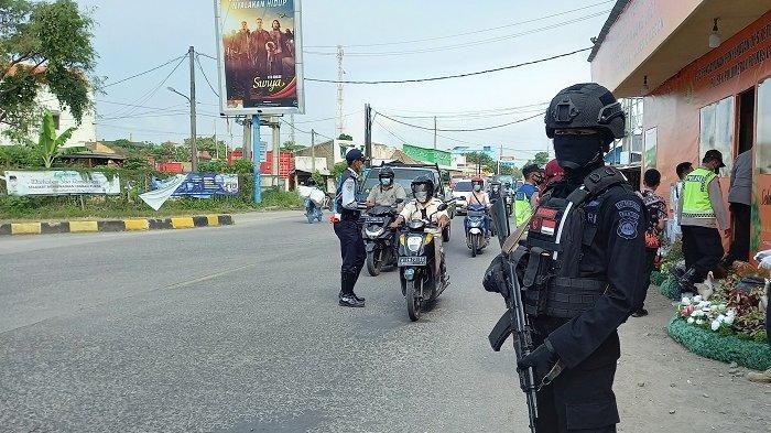 Baru Dapat Sedikit, Polisi Antisipasi Serangan Pemudik Malam Haridi Pertigaan Gerem Cilegon
