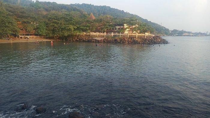 Pulau Merak Kecil Tanpa Pengunjung, Komunitas Anak Pulo Kerja Serabutan