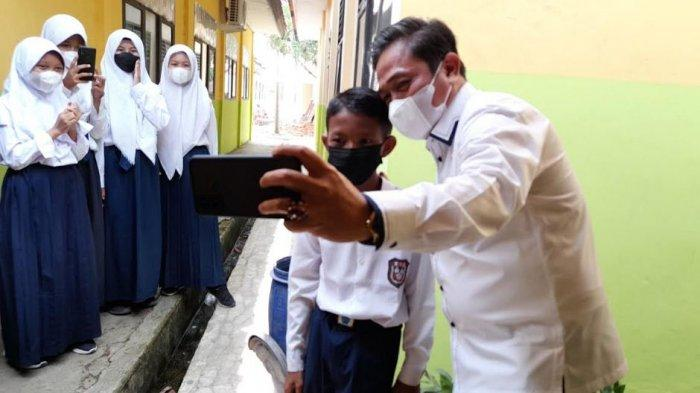 Keterbatasan Nakes, Masih ada 6 SMP di Kota Serang yang Siswanya Belum Divaksin
