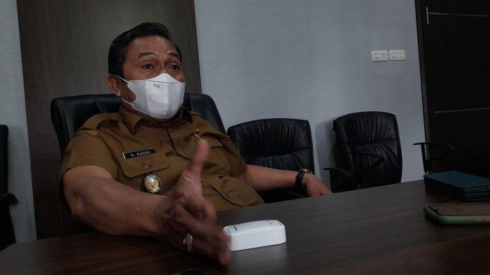 Wakil Wali Kota Serang Subadri Usuludin di euang kernya, Kantor Pemkot Serang, Jalan Jenderal Sudirman, Sumupeucung, Kota Serang , Senin (30/8/2021).