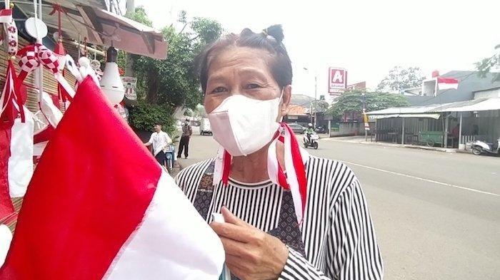 Pendapatan Anjlok, Begini Cerita Penjual Bendera Tepi Jalan di Tangsel