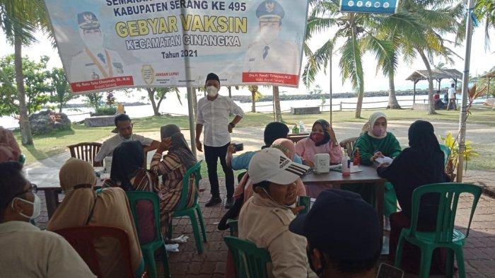 Animo Masyarakat Luar Biasa, 2.700 Orang Suntik Vaksin Covid-19 di Kawasan Anyer Kabupaten Serang