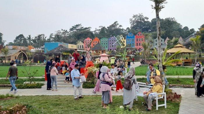 Taman Wisata Mahoni, Destinasi yang Menarik Dikunjungi, Keren Banget!