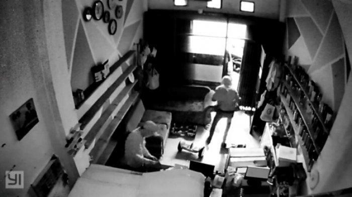 Toko Souvenir di Tangsel Dibobol Maling, Aksi Pelaku Terakam CCTV