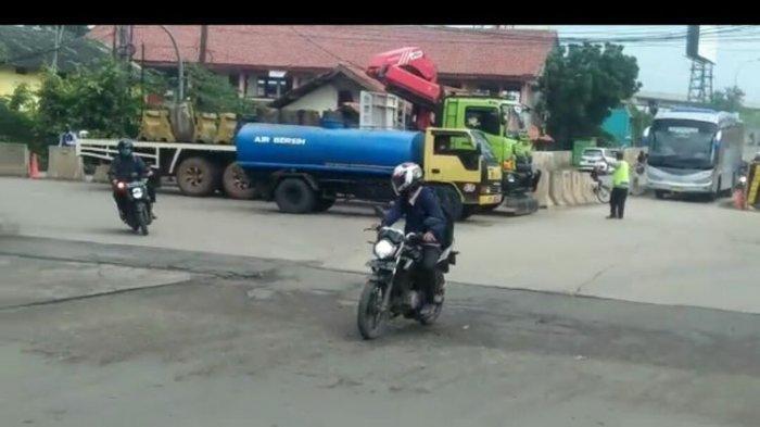 Video Penutupan Jalan di Rawa Bokor Beredar di Medsos, Hoaks atau Bukan?
