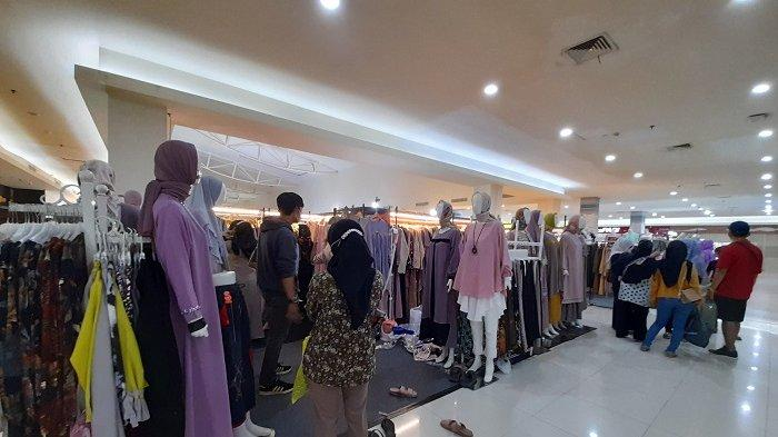 Tenant Hijab di Mall Of Serang Ramai Pembeli, Syar'i dan Pashmina Plisket jadi Primadona