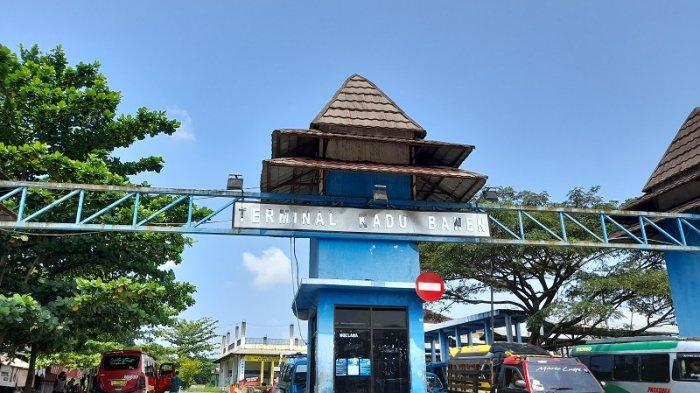 Larangan Mudik: Terminal Kadubanen Pandeglang Sepi Penumpang, Sopir Hanya Bisa Pasrah